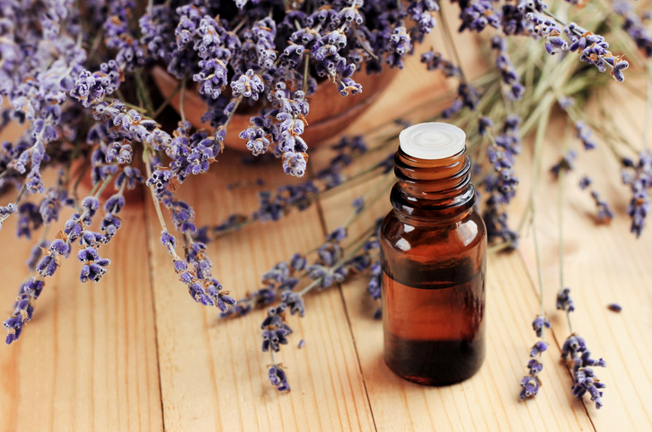 Cleaning with Essential Oils While Keeping Kids and Pets Safe